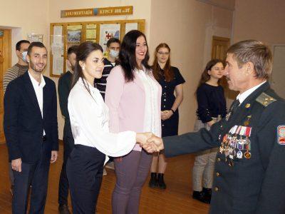 Понад 100 майбутніх молодших лейтенантів медичної служби запасу склали Військову присягу